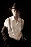 Mooi blonde meisje in kostuum en hoed royalty-vrije stock fotografie
