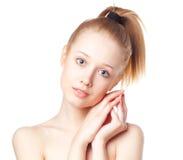 Mooi blonde meisje op een witte achtergrond Stock Fotografie