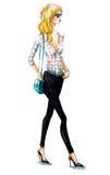 Mooi blondemeisje bij straat Meisje het lopen De zomer ziet eruit Het Schilderen van de waterverf Royalty-vrije Stock Afbeelding