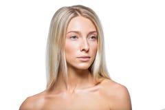 Mooi blondemeisje met natuurlijke samenstelling stock afbeelding