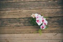 Mooi boeket op houten achtergrond Royalty-vrije Stock Fotografie