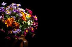 Mooi boeket van heldere wildflowers Royalty-vrije Stock Afbeeldingen