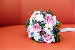 Mooi bruids boeket royalty-vrije stock foto's