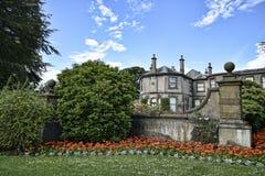 Mooi Buitenhuis dichtbij Leeds in West-Yorkshire dat geen Nationaal Vertrouwen is royalty-vrije stock foto's