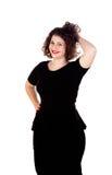 Mooi curvy meisje met zwarte kleding en rode lippen stock foto