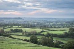 Mooi dageraadlandschap over Somerset Levels in Engels land Royalty-vrije Stock Fotografie