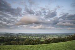 Mooi dageraadlandschap over Somerset Levels in Engels land Stock Fotografie
