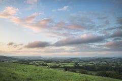 Mooi dageraadlandschap over Somerset Levels in Engels land Stock Foto's