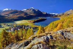 Mooi de herfstlandschap in Zwitserland Stock Foto