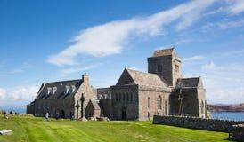 Mooi de lenteweer van Iona Abbey Scotland het UK bij dit historische oriëntatiepunt op het Schotse eiland Stock Foto's