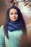 Mooi donkerbruin vrouwenportret Stock Afbeeldingen