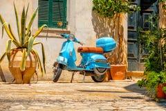 Mooi eiland van Korfu en oude huizen in de charmante kleine straten Kerkyra royalty-vrije stock fotografie
