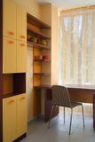 Mooi en modern jong ruimte binnenlands ontwerp. Stock Foto