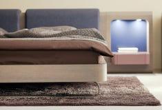 Mooi en modern slaapkamer binnenlands ontwerp. Stock Afbeelding