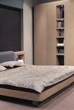 Mooi en modern slaapkamer binnenlands ontwerp. Stock Fotografie