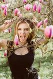 Mooi en modieus modelmeisje Stijl, Manier, vrouw Boos, het Gillen feminism royalty-vrije stock foto's