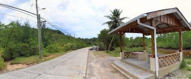 Mooi en overweldigend hoge resolutiepanorama van landschapsmeningen over het eiland van Seychellen stock foto