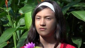 Mooi en Plechtig Spaans Meisje stock videobeelden