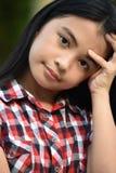 Mooi Filipina Girl Wondering stock afbeeldingen