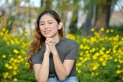 Mooi Filipina Woman Praying royalty-vrije stock foto