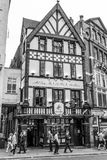 Mooi George Pub in Londen - LONDEN - GROOT-BRITTANNIË - SEPTEMBER 19, 2016 stock fotografie