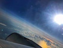 Mooi glans van de zon in de wolken royalty-vrije stock afbeelding