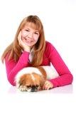 Mooi glimlachend meisje en weinig hond. Royalty-vrije Stock Foto