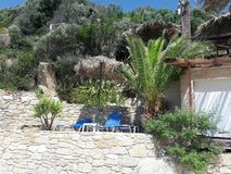 Mooi Grieks strand royalty-vrije stock afbeelding