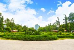 Mooi Herastrau-Park van Boekarest, Roemeni? in een de lentedag royalty-vrije stock afbeelding