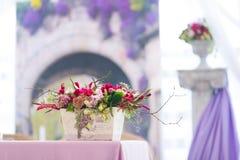 Mooi het huwelijksdecor van bloemenboeketten Stock Foto's