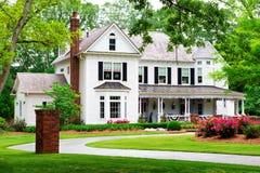 Mooi historisch, traditioneel huis Stock Foto
