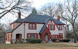 Mooi Huis dat voor Vakantie 99 wordt verfraaid Royalty-vrije Stock Afbeelding