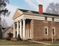 Mooi huis met pijlers Royalty-vrije Stock Afbeeldingen