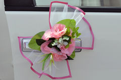 Mooi huwelijk flowerses op een auto Royalty-vrije Stock Foto