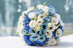 Mooi huwelijksboeket van rozen Royalty-vrije Stock Foto's