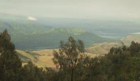 Mooi Indonesië met vulkanen Stock Foto's