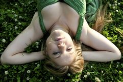 Mooi jong blond meisje royalty-vrije stock afbeeldingen