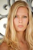 Mooi jong blond vrouwenportret. royalty-vrije stock fotografie