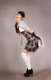 Mooi jong de studioportret van de vrouwen retro stijl stock afbeelding