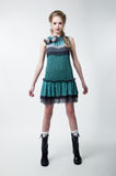 Mooi jong mannequinwijfje in moderne kleding Stock Foto