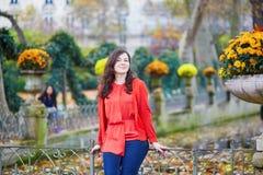 Mooi jong meisje in de tuin van Luxemburg van Parijs Royalty-vrije Stock Foto