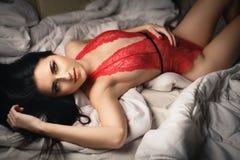 Mooi jong meisje in een sexy rode lingerie Royalty-vrije Stock Foto