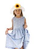 Mooi jong meisje met een bloemhoed Stock Fotografie