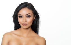 Mooi jong vrouwen` s gezicht en naakte huid Stock Afbeelding