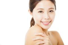 Mooi jong vrouwengezicht dat op wit wordt geïsoleerd Royalty-vrije Stock Afbeeldingen