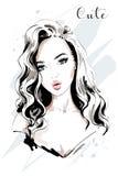 Mooi jong vrouwenportret Hand getrokken maniervrouw met lang haar royalty-vrije illustratie