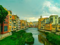 Mooi kanaal in Girona stock fotografie