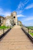 Mooi kasteel in Ogrodzieniec dichtbij Krakau in de lente, Polen Stock Foto