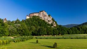 Mooi kasteel Oravsky Podzamok dichtbij Dolny Kubin in Slowakije Stock Fotografie