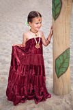 Mooi kind in traditionele oosterse kleding en juwelen stock fotografie